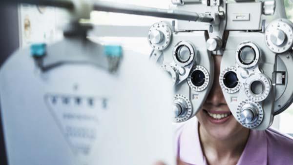 Lady getting an eye test
